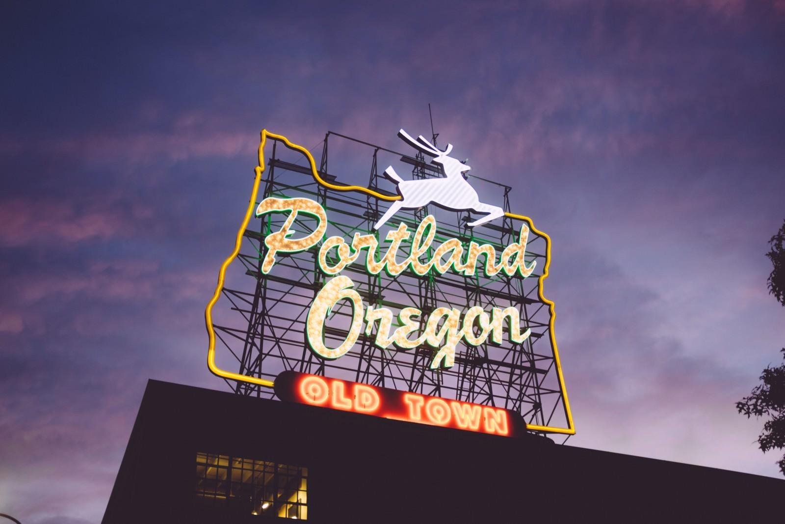オレゴン、ポートランドのネオン
